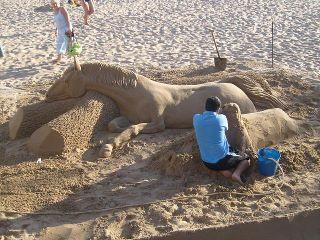 תמונה פיסול בחול