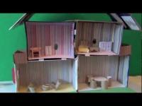 יצירה של בית בובות